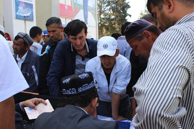 IOM Tajikistan in cooperation with the Ministry of Labour, Migration, and Employment of Population of the Republic of Tajikistan organizes job fairs for returnee migrants and vulnerable groups of society. Bokhtar district, 11 May 2017