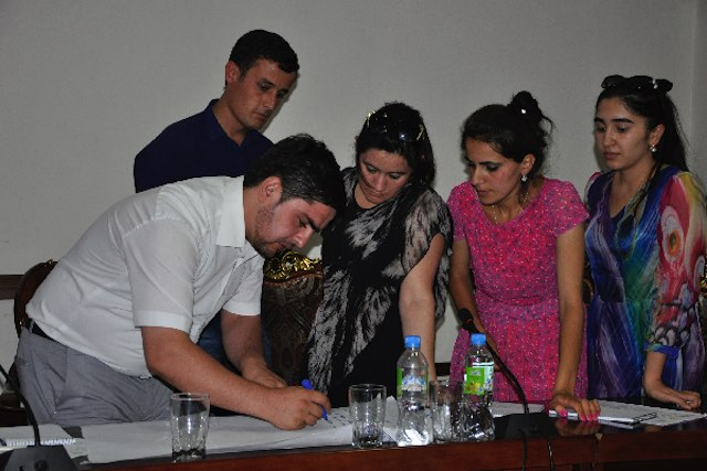"IOM Tajikistan organized a two-day training on ""Human Trafficking, Labour Migrants' Rights, Migration Threats"" for journalists. Dushanbe, 11 July 2016. Photo by Abdulfattoh Shafiev"
